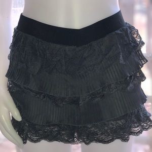 Gorgeous gray lace SKORT! Summer time!